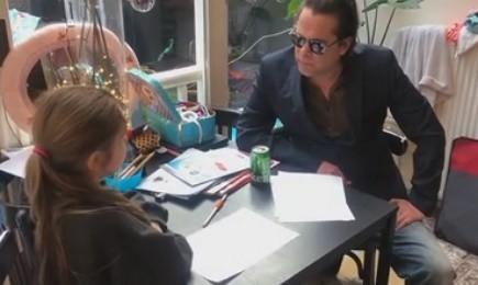 Hans Teeuwen - Homeschooling