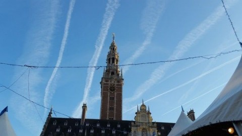 "Lerares over chemtrails: ""We worden besproeid"""