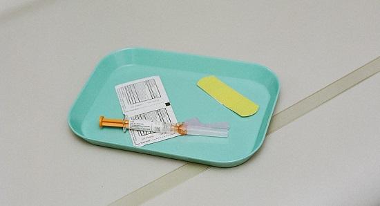 Zwitsers zorgpersoneel voelt weinig of niets voor het covid-vaccin