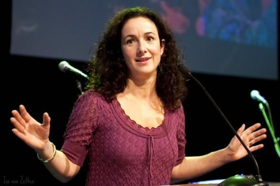 Leest u mee, Halsema? Israëlisch Hooggerechtshof: afstand handhaven tijdens protesten is illegaal
